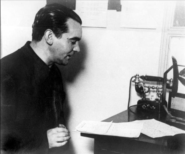 Buenos Aires, año 1933.-El poeta español Federico García Lorca en una audición en Radio Stentor. EFE/Archivo