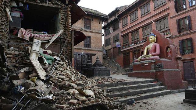 numero-muertos-supera-Nepal_EDIIMA20150427_0029_17